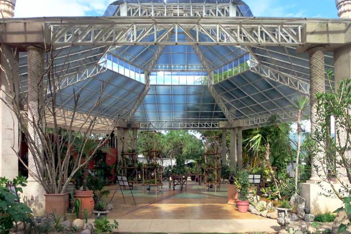 Conservatorio de orquídeas en el jardín. Foto David Stanley