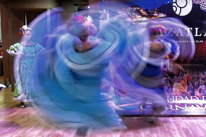 Danzas y bailes folklóricos en México - Foto Luis Juárez J.