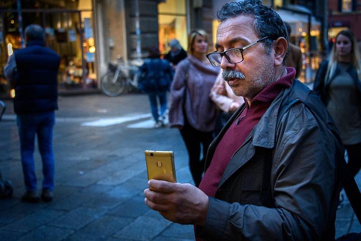 La aplicación de Huawei y Emirates. Foto: Owen Lloyd