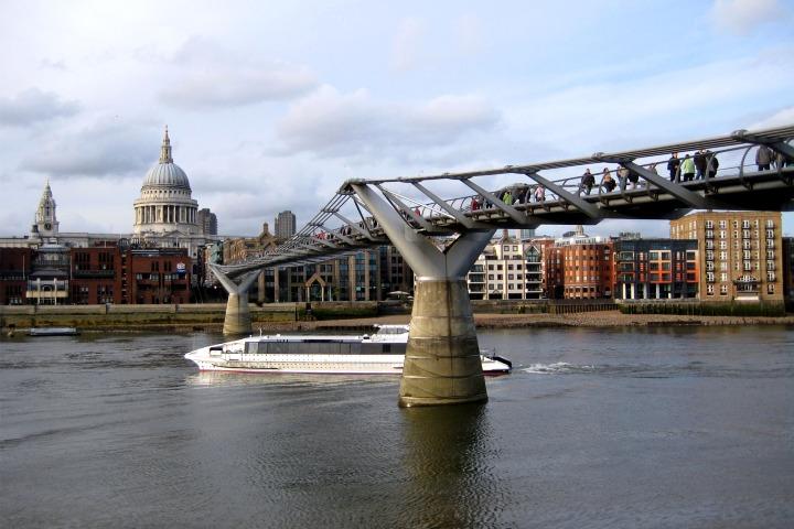 Millennium bridge. Foto Adam Kinney