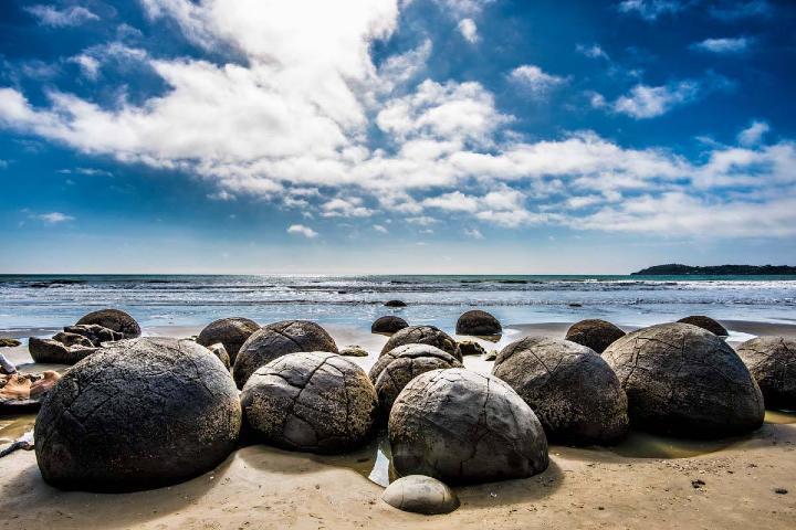 Piedras-gigantes-en-Koekohe-Nueva-Zelanda.