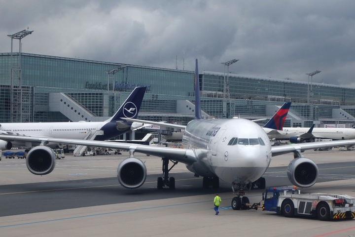 Aeropuertos-de-Alemania.-Foto-Gabor-Tikos