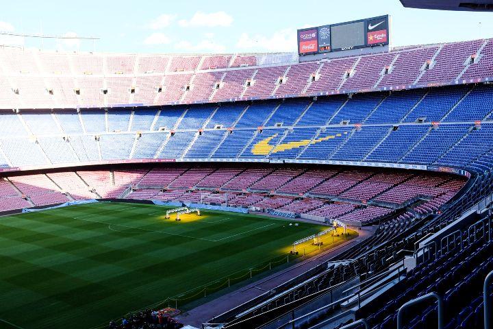 Camp-Nou-estadio-del-FC-Barcelona.-Foto-Floris-Van-Cauwelaert