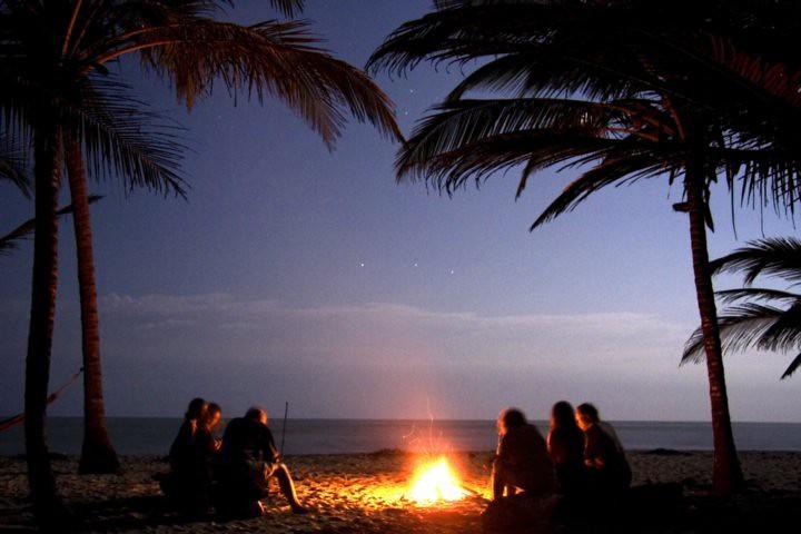Fogata en la playa. Foto: Reserva Natural El Matuy