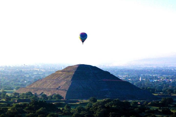 Vuelo-en-globo-en-Mexico.-Foto-Vuelo-en-globo-Teotihuacan