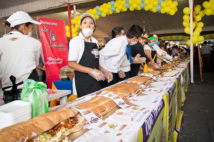 Novena Feria de la Torta