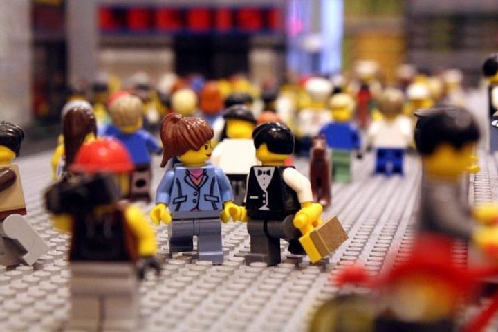 Aeropuerto en Australia paga a escultores de Lego