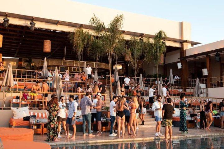 Chibacal es unos de los clubes de playa de Puerto Vallarta que se han vuelto tendencia. Foto: Archivo