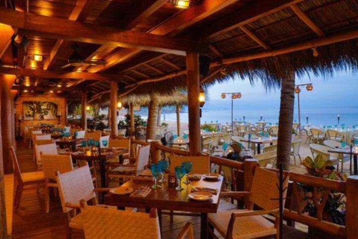 Club de Playa El Dorado ¡Come delicioso en su restaurante! Foto: Archivo