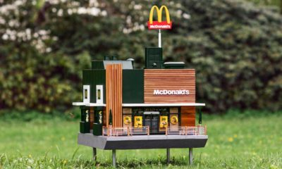 El McDonald's más pequeño del mundo es para las abejas. Foto: Hyper and Hyper