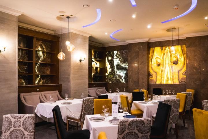El restaurante del Hotel Mansión Solís es sofisticado y repara cocina que deleita a los paladares. Foto: Archivo