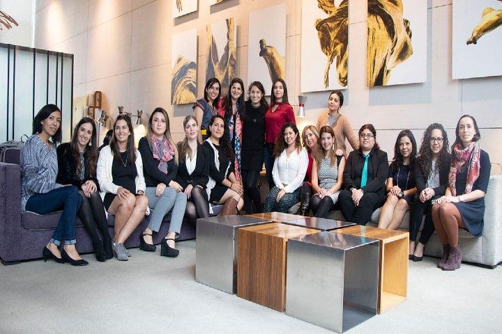 Ellas son las mujeres que aportan al sector turístico desde City Express. Foto: Archivo