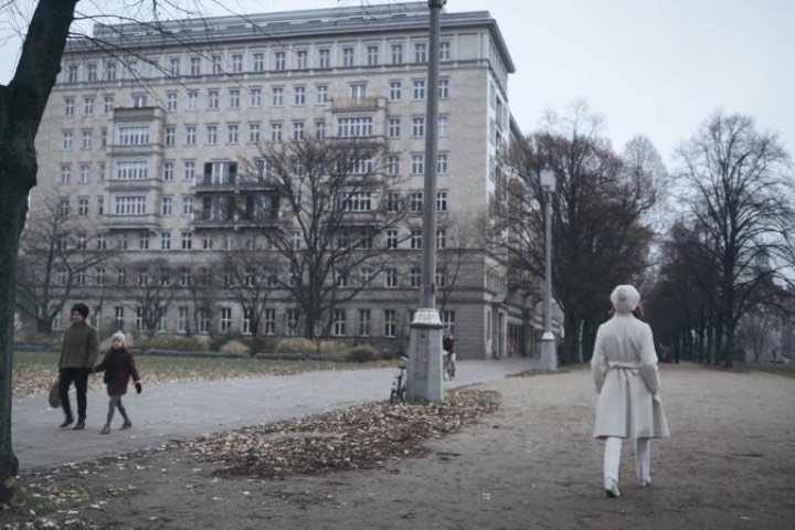 En la escena final de Gambito de Dama, una de la las locaciones elegidas es Moscú ¿Sabías que aquí Beth tiene un vestuario que asemeja a la reina del ajedrez? Foto: Archivo