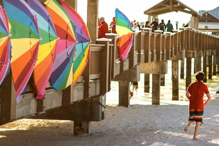 Fiesta-en-playa-gay.-Foto-por-visit-the-USA