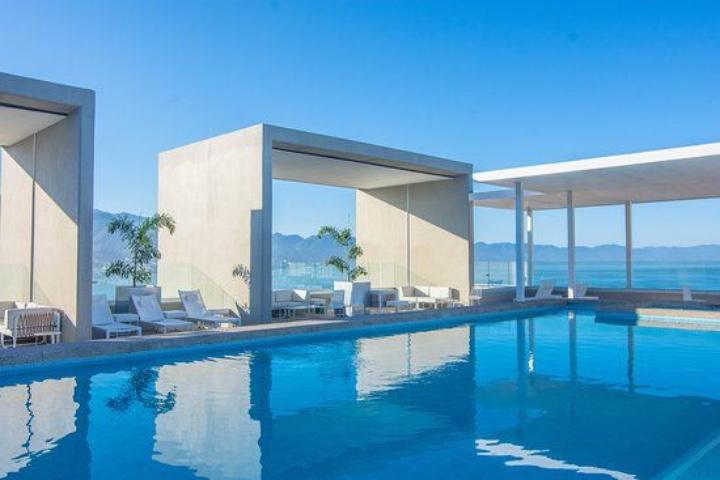 La alberca del Hotel Mío es una de las mejores de Puerto Vallarta. Foto: Archivo