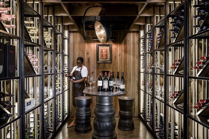La cava de Xigera Safari Lodge te ofrece los mejores vinos. Foto: Archivo