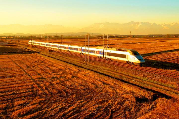 El TGV de Francia es uno de los trenes más rápidos del mundo. Foto: HappyRail