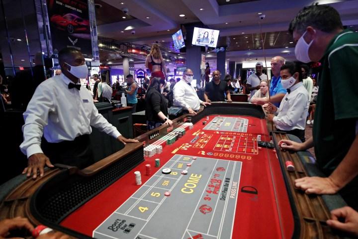 Uno de los mitos y leyendas de los casinos de Las Vegas es que no quieren que sepas cuánto tiempo llevas jugando. Foto: El Tiempo