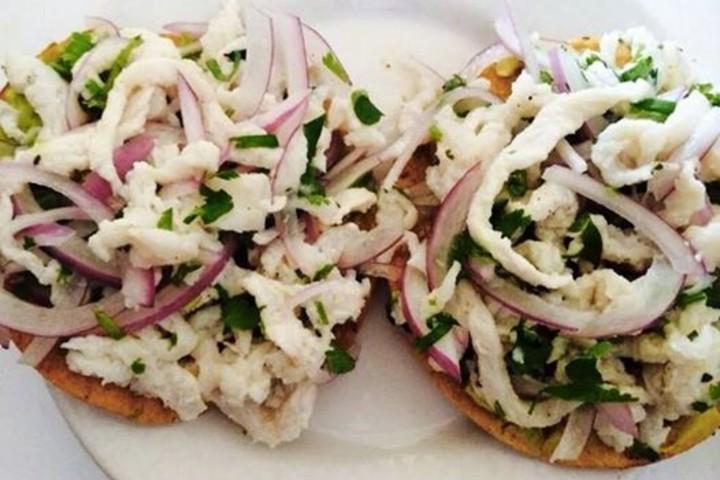 Tostadas de Tiritas de Pescado ¡Manjares que encontrarás en Michoacán! Foto: Vive Michoacán