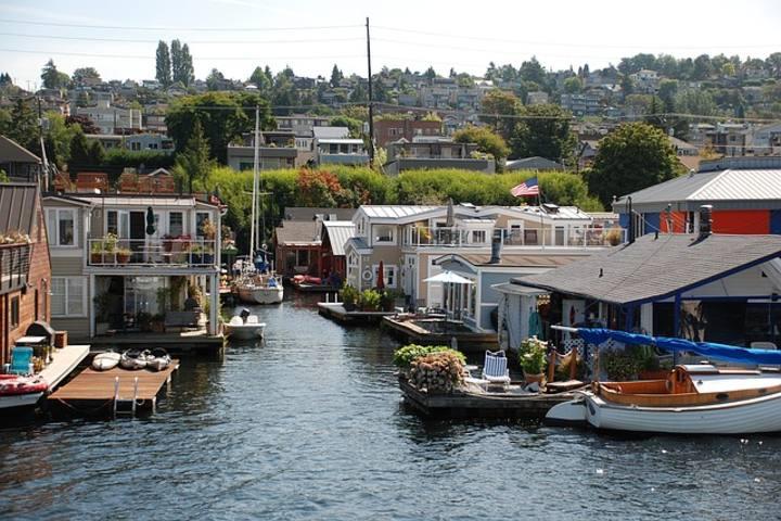 Uno de los destinos de películas románticas es Lake Union, Seattle, EE. UU. Foto: Lauramba