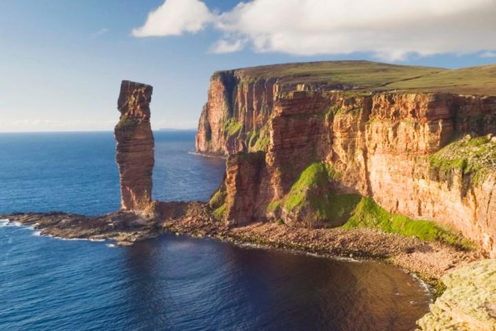 Disfruta de las maravillas del lugar donde se llevó a cabo el vuelo más corto del mundo. Foto: Isla de Skye