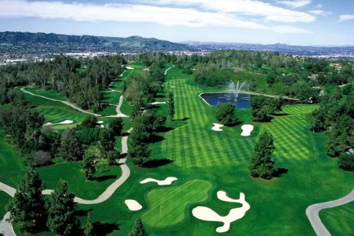 Algo que debes hacer en Los Ángeles es visitar los campos de golf y jugar unos instantes. Foto: Industry Hills Golf Club