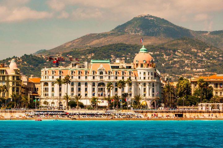 El Hotel Negresco cuenta con una excelente ubicación. Foto: Archivo