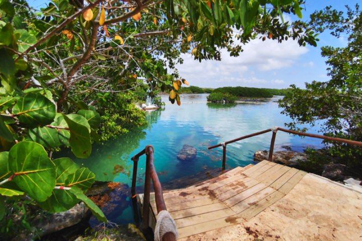 Laguna-Yal-Ku-en-Riviera-Maya.-Foto-viaje-al-atardecer