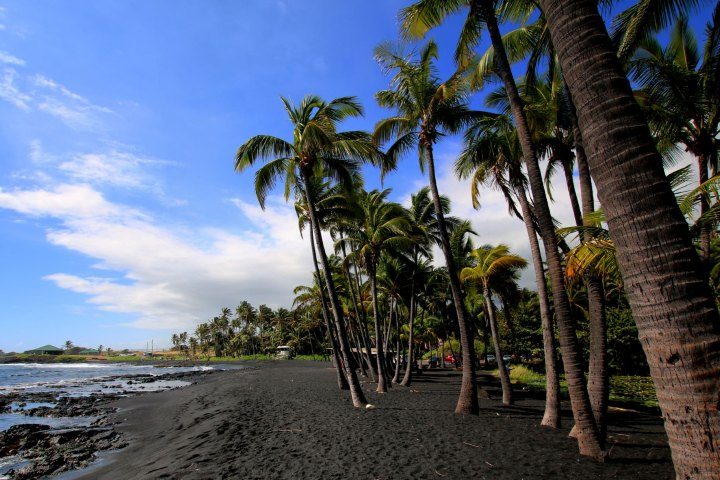 Punaluu Black Sand Beach. Foto: Private Homes Hawái