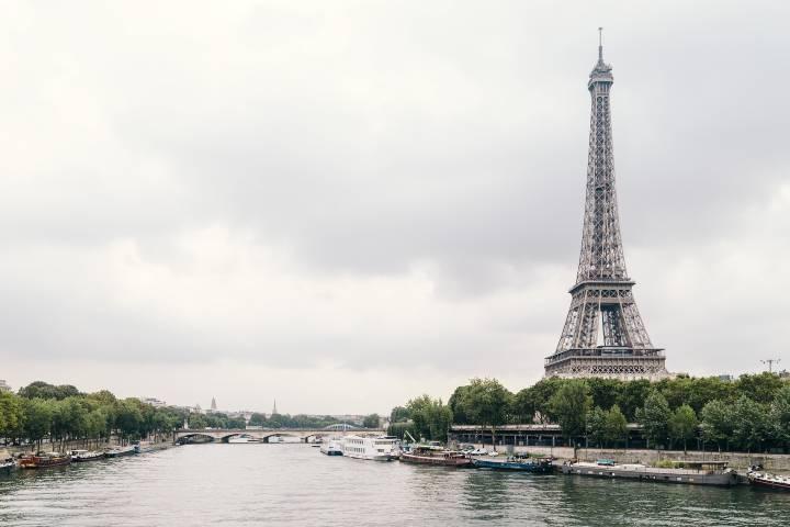 eiffel-tower-1853365_1920-1