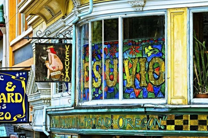 El Café Vesuvio es perfecto para pasar la tarde tomando una bebida para después continuar tu viaje por Estados Unidos. Foto: Viator