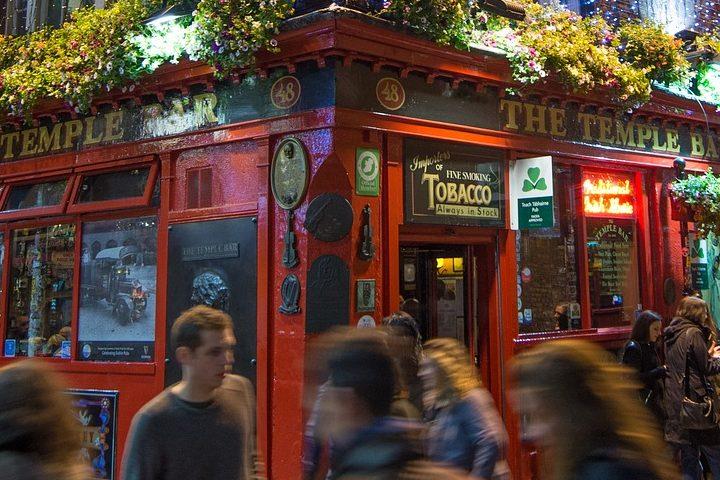 Dublín es uno de los destinos en donde viajar con amigos tendrá que disfrutar de los pubs. Foto: Rudy & Peter Skitterians