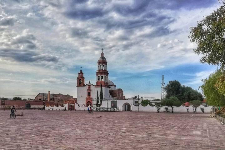 Plaza central - Foto Luis Juárez J.