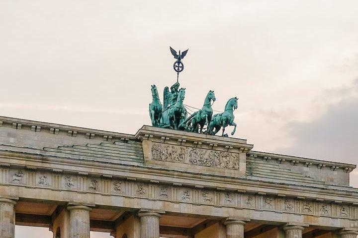 Puerta de Brandemburgo, Berlín, Alemania. Foto: Shvets Anna