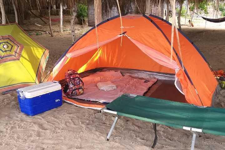 Acampa en la playa La Llorona de Michoacán. Foto: Jorge Rodríguez Bracamontes | Facebook