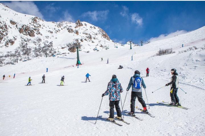 Catedral Alta, un espacio para los deportes de invierno en Argentina. Foto: Emprotour Bariloche