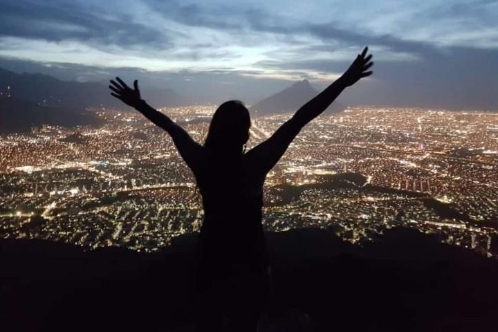 Disfruta la vista desde el Cerro de la Silla. Foto: Nuevo León en Fotos | Facebook