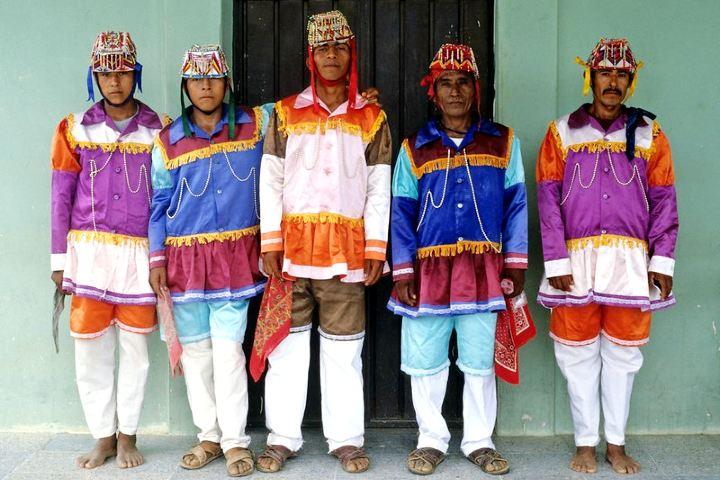 Trajes tradicionales para baile mixteco. Foto: Thomas Aleto Flickr