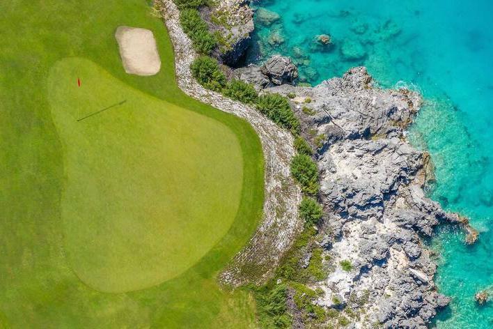El campo de golf tiene vistas impresionantes al océano. Foto: Marriott