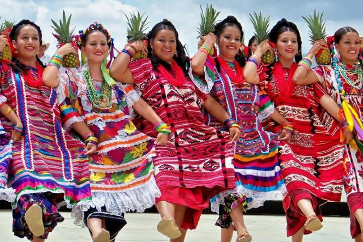 Mujeres mixtecas. Foto: NeoMexicanisimos