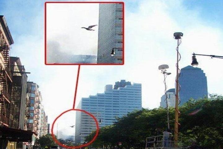 Hombre polilla en el atentado del 11 de septiembre. Foto: Amino apps