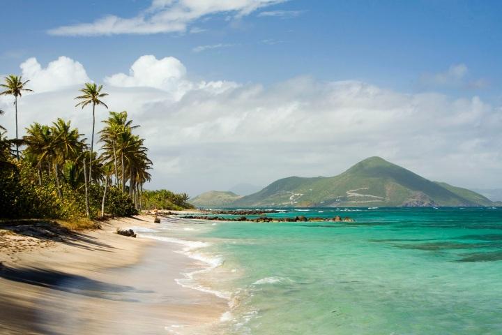 Las playas de la Isla Nieves del Mar Caribe son bellísimas. Foto: TripSavvy