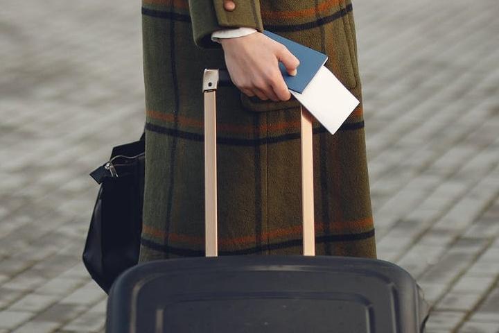 Llevar documentos a tu alcance es uno de los mejores consejos para viajar. Foto: Gustavo Fring