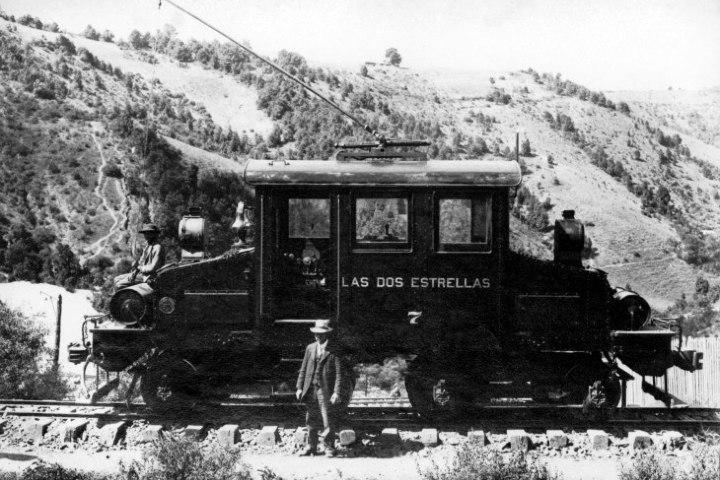 Máquina antigua en Mina Dos Estrellas. Foto: Sitio Web