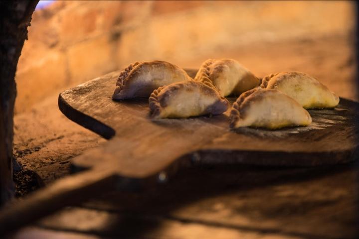 Nada mejor que unas empanadas recién salidas del horno. Foto: INPROTUR