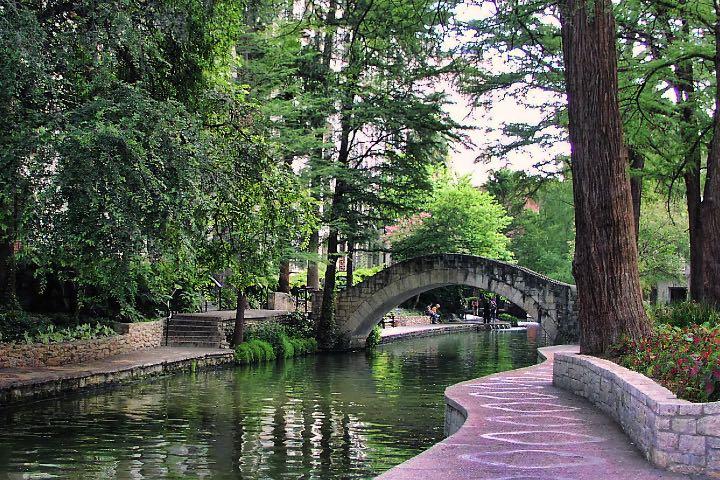 River Walk es uno de los lugares que puedes disfrutar en tus vacaciones en San Antonio, Texas. Foto: Mariano Mantel