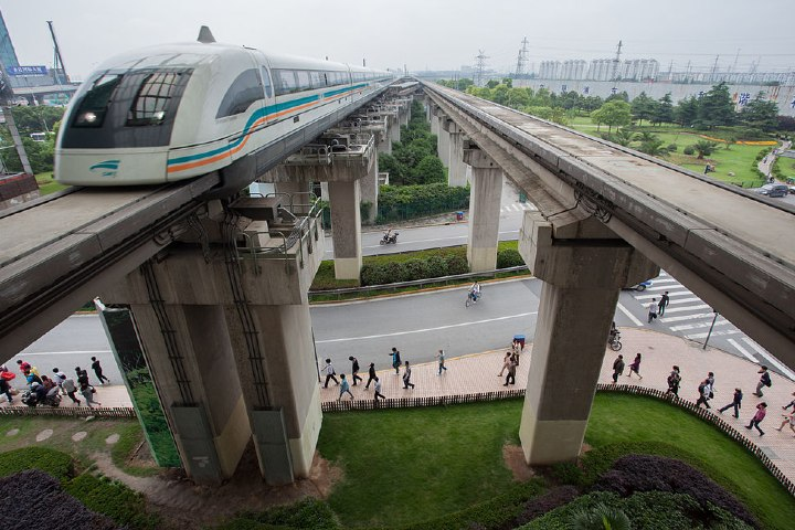 ¿Listos para viajar a bordo del tren Shanghai Maglev? Foto: Commons Lars Plougmann