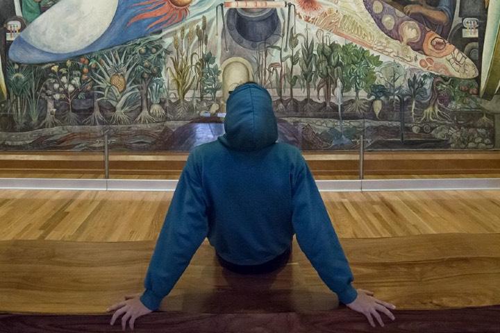 Siéntete y aprecia el arte mexicano plasmado en los murales. Foto: MXCity