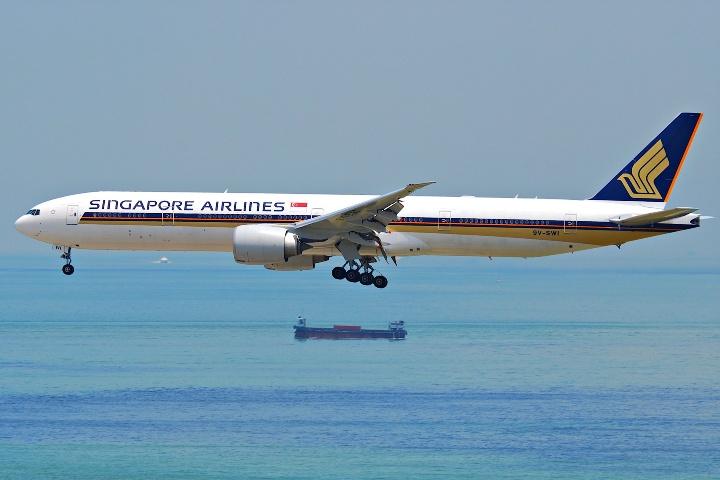 Atrévete a volar con Singapore Airlines, Boeing 777-300ER. Foto: Aero Icarus
