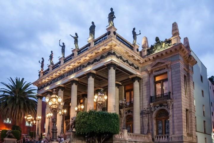 El diseño del Teatro Juárez maravilla a quien lo admire. Foto: Sitio Web